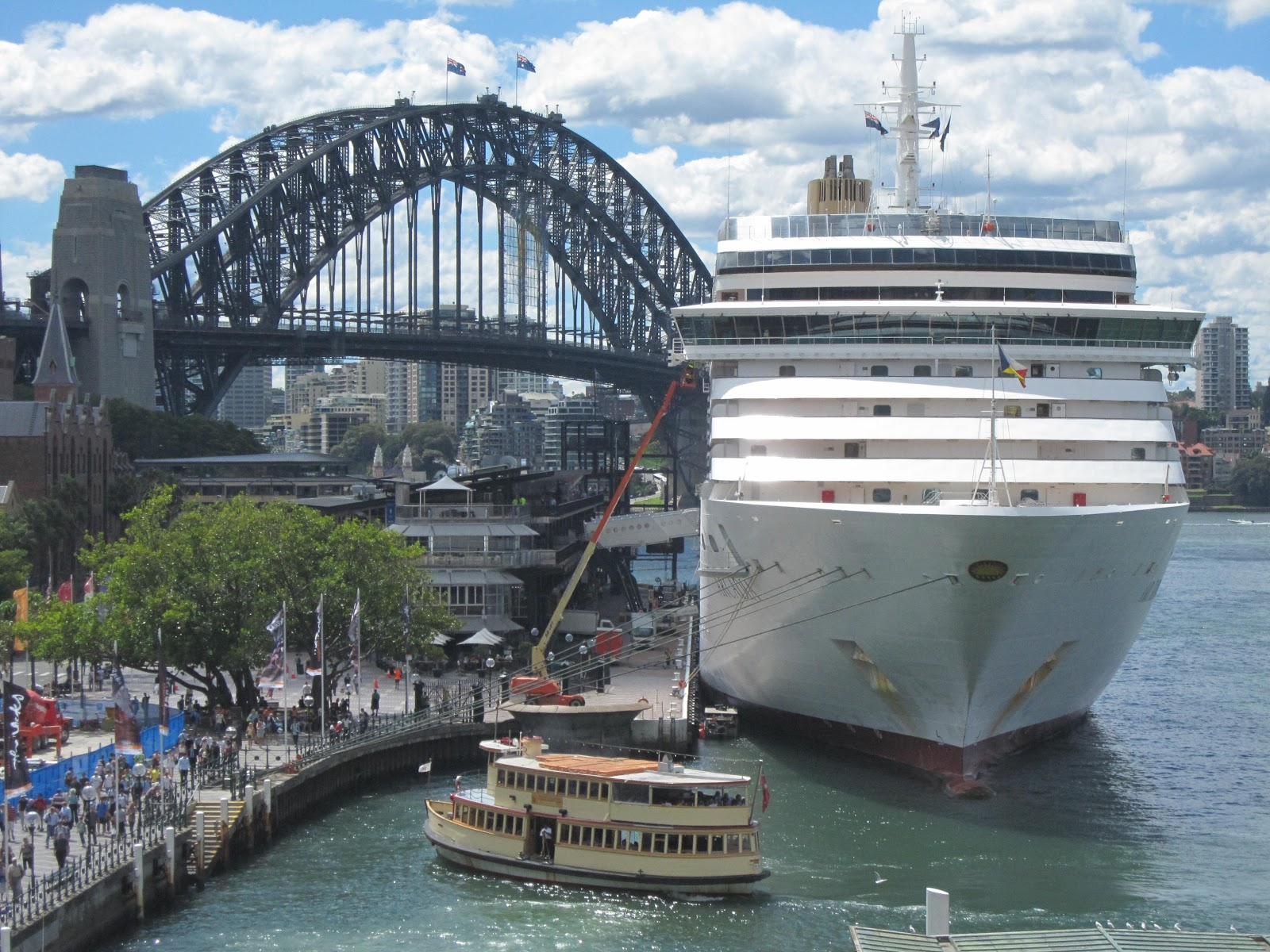Sydney  City And Suburbs Circular Quay Ship