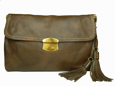 Bolso marrón envejecido de Prada estilo sobre