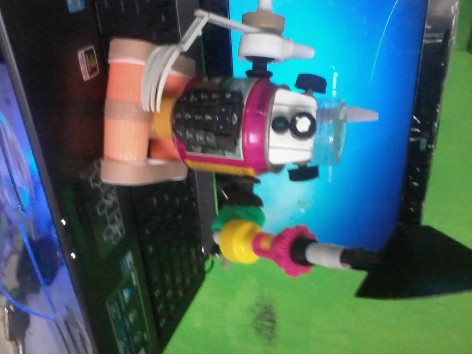 Cara Buat Robot dari Barang Bekas
