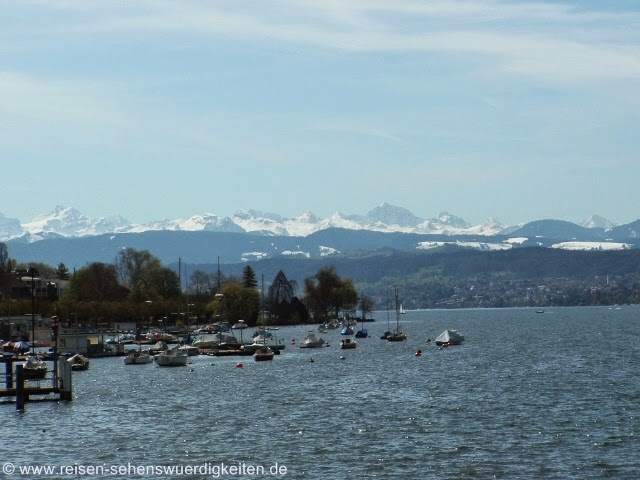 Zürichsee mit Alpenpanorama