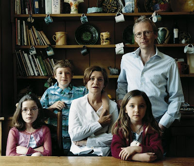 Thomas Struth - the lingwood&hamlyn family london ;2001