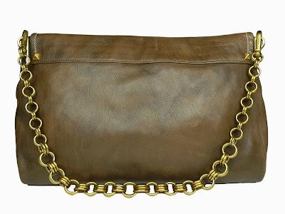 Bolso marrón envejecido de Prada estilo sobre, atrás