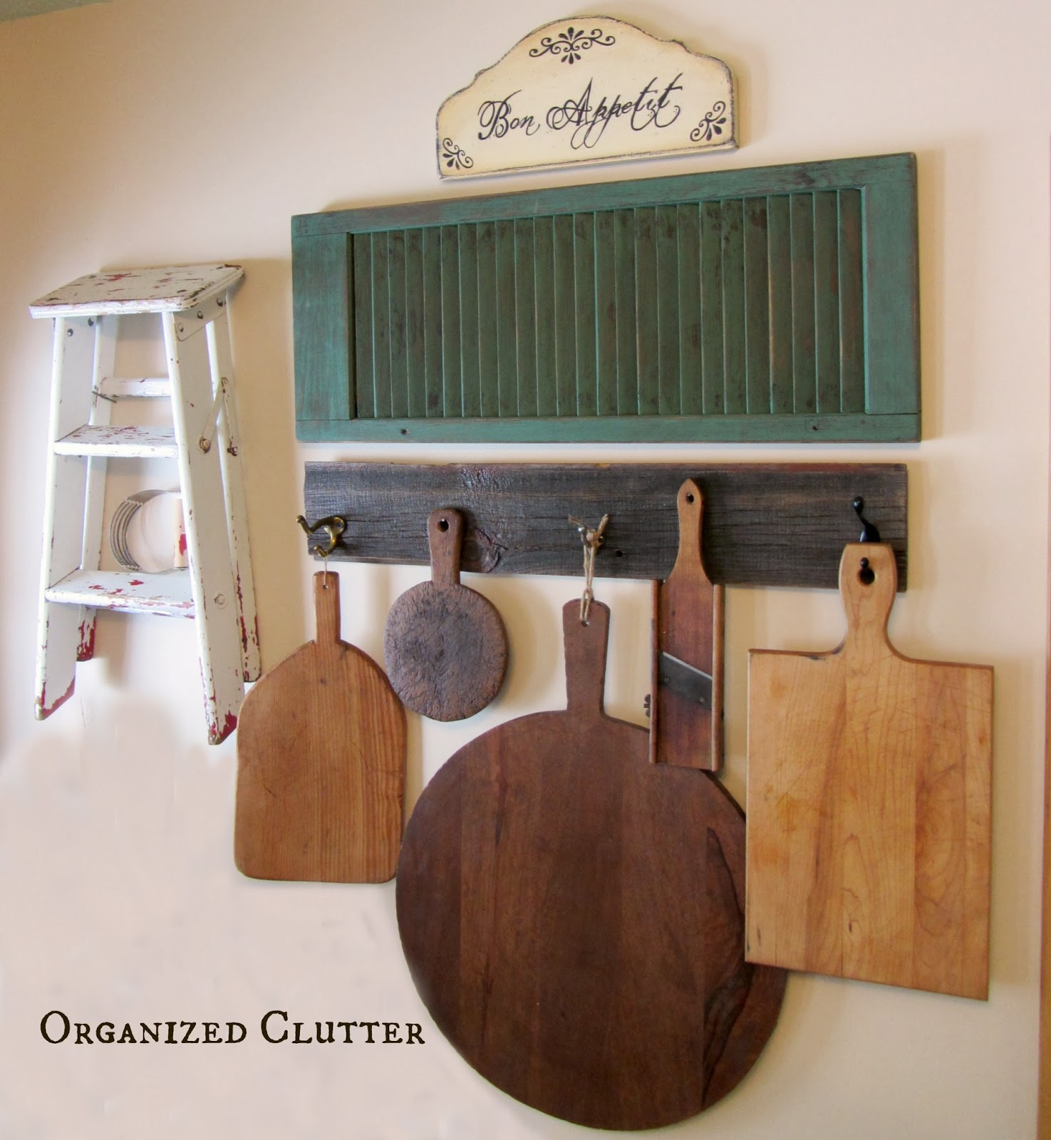 Rustic Cutting Board Kitchen Wall Display www.organizedclutterqueen.blogspot.com