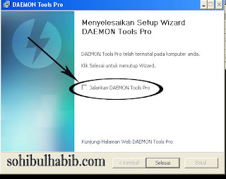 extract cracknya ke direktori file C:\Program Files\DAEMON Tools Pro