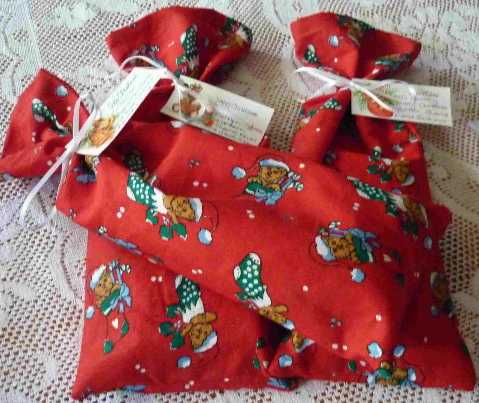 make fabric bags for christmas gifts