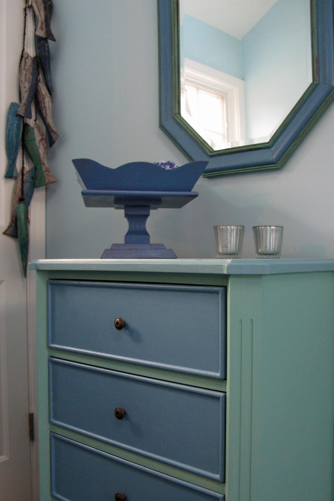 Drawer Dresser With Mirror The Mirror Above The Dresser