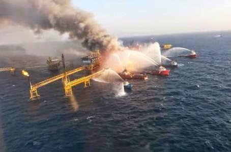 Incendio plataforma petrolera pemex