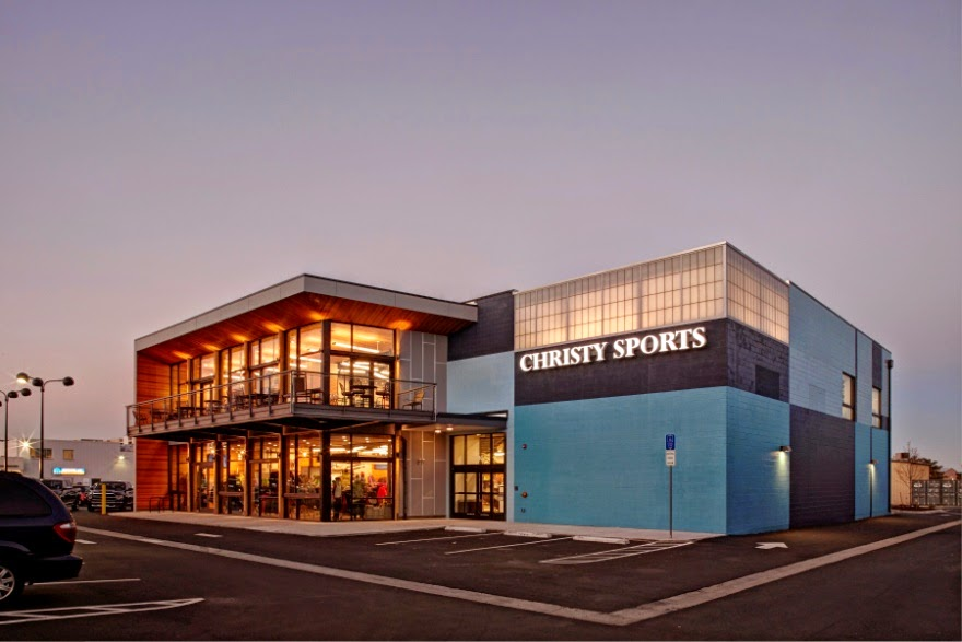 Sportmondo sports portal arch11 designs innovative indoor for Retail shop exterior design