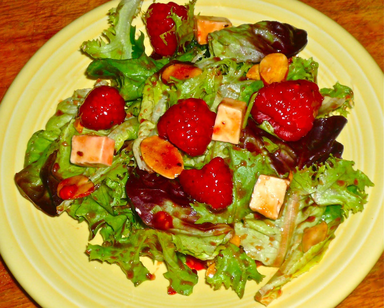 Raspberry-Almond Salad w/Pomegranate-Balsamic Vinaigrette