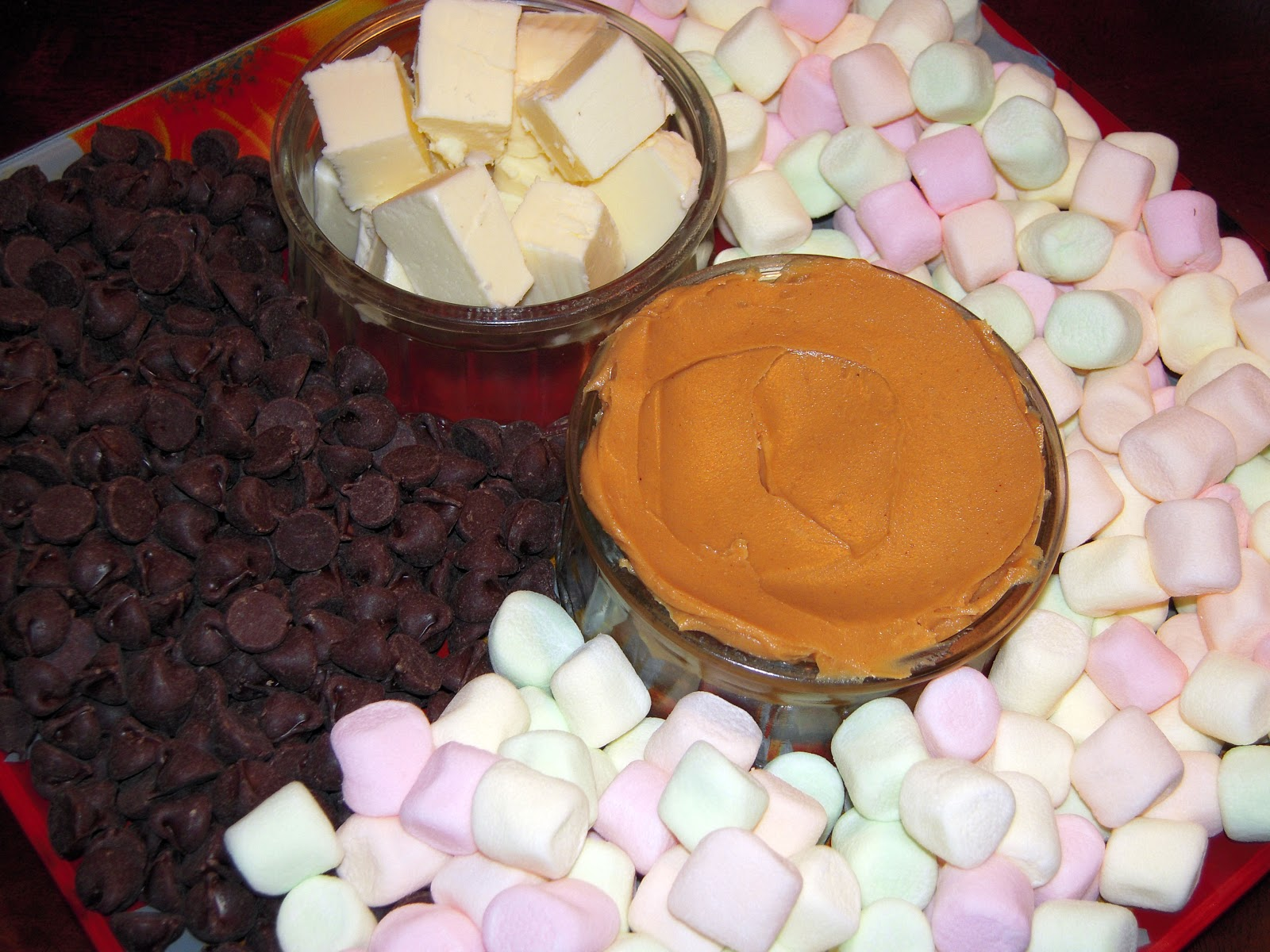 Συνταγες Για ΠΑΙΔΙΚΑ Παρτυ http://cookandfeed.blogspot.com/2011/10/chocolate-confetti-marshmallows.html