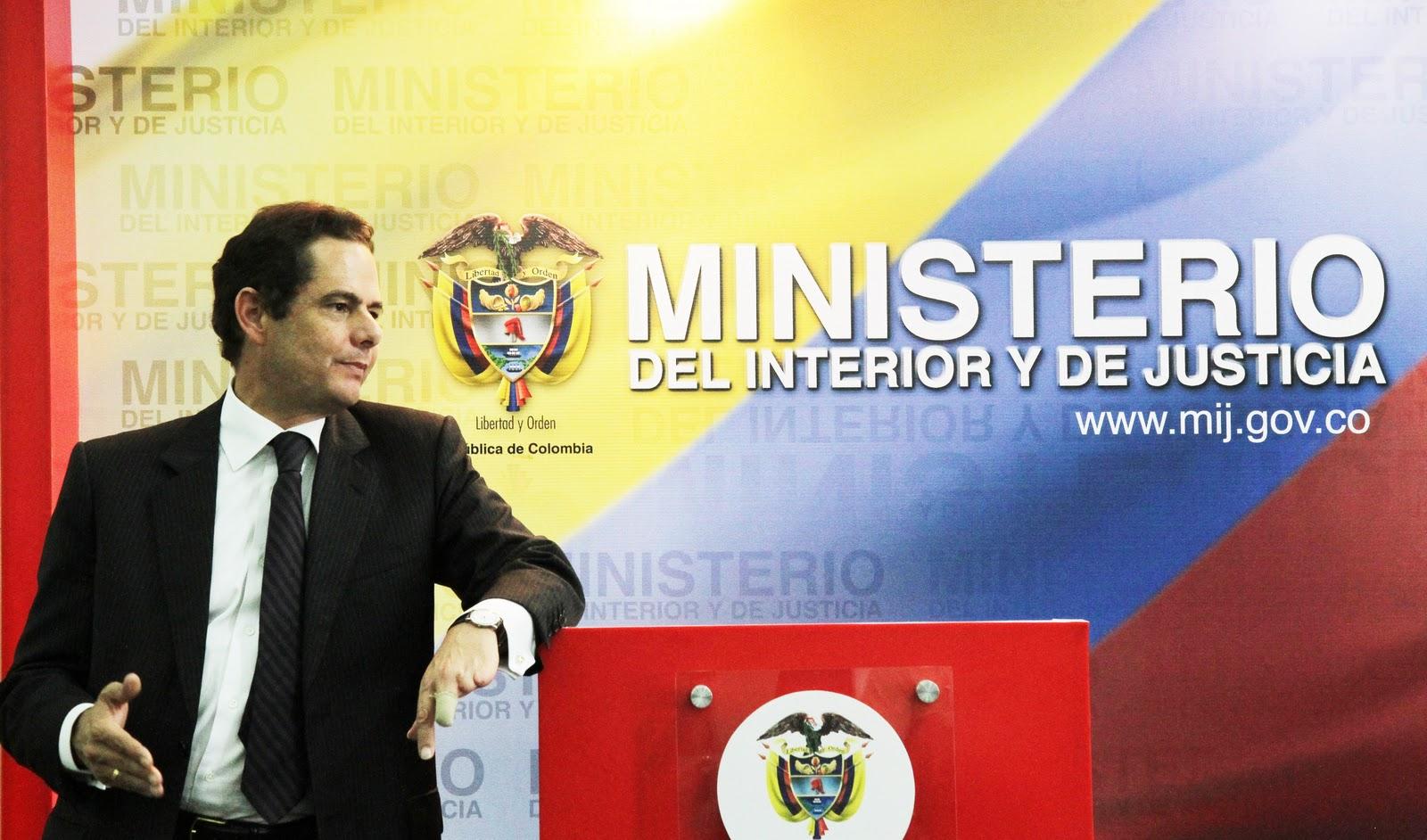 Germ n vargas lleras protecci n de derechos humanos y for Donde queda el ministerio de interior y justicia