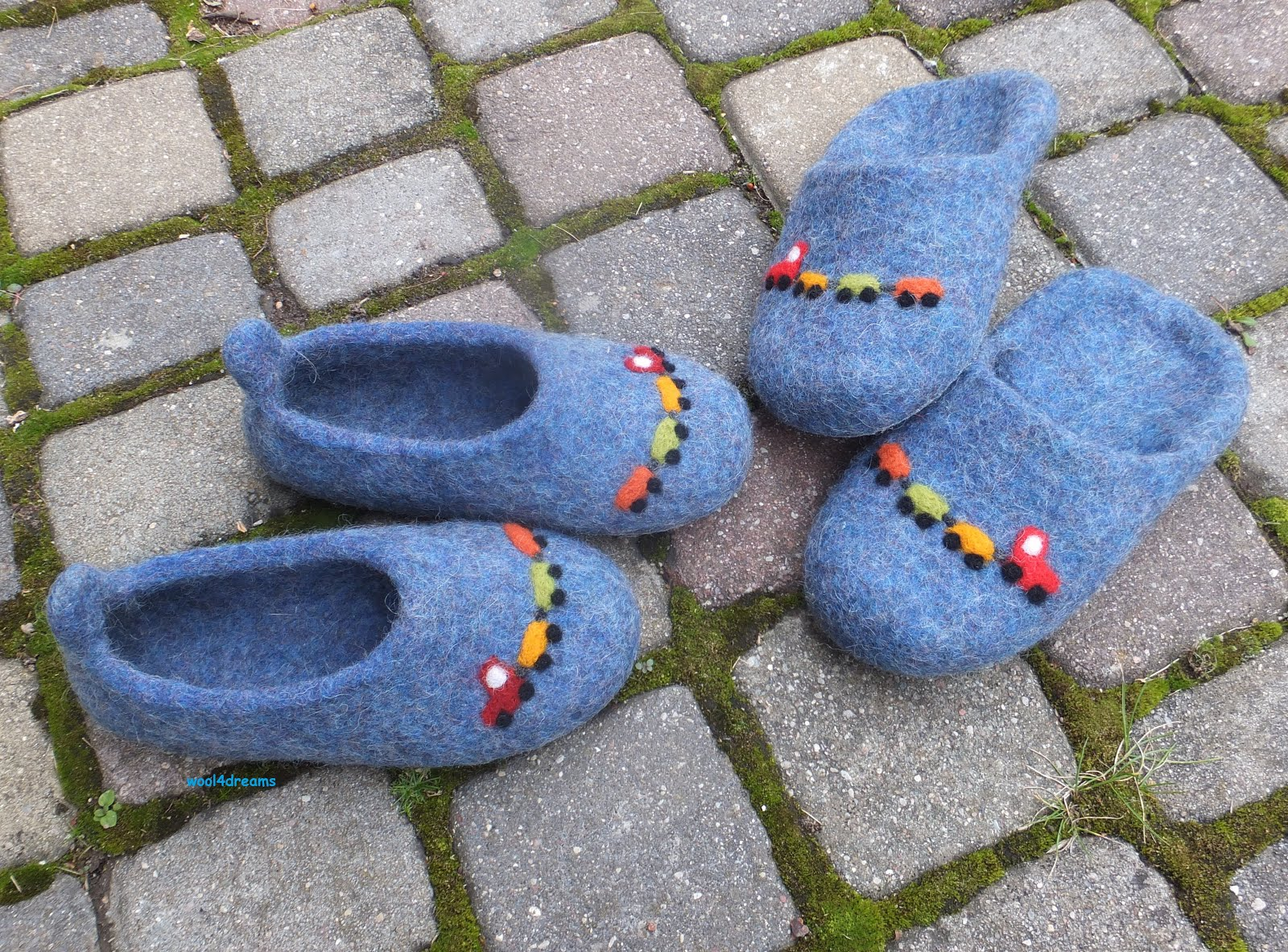 Filcētas čības bērniem        Felt slippers for children