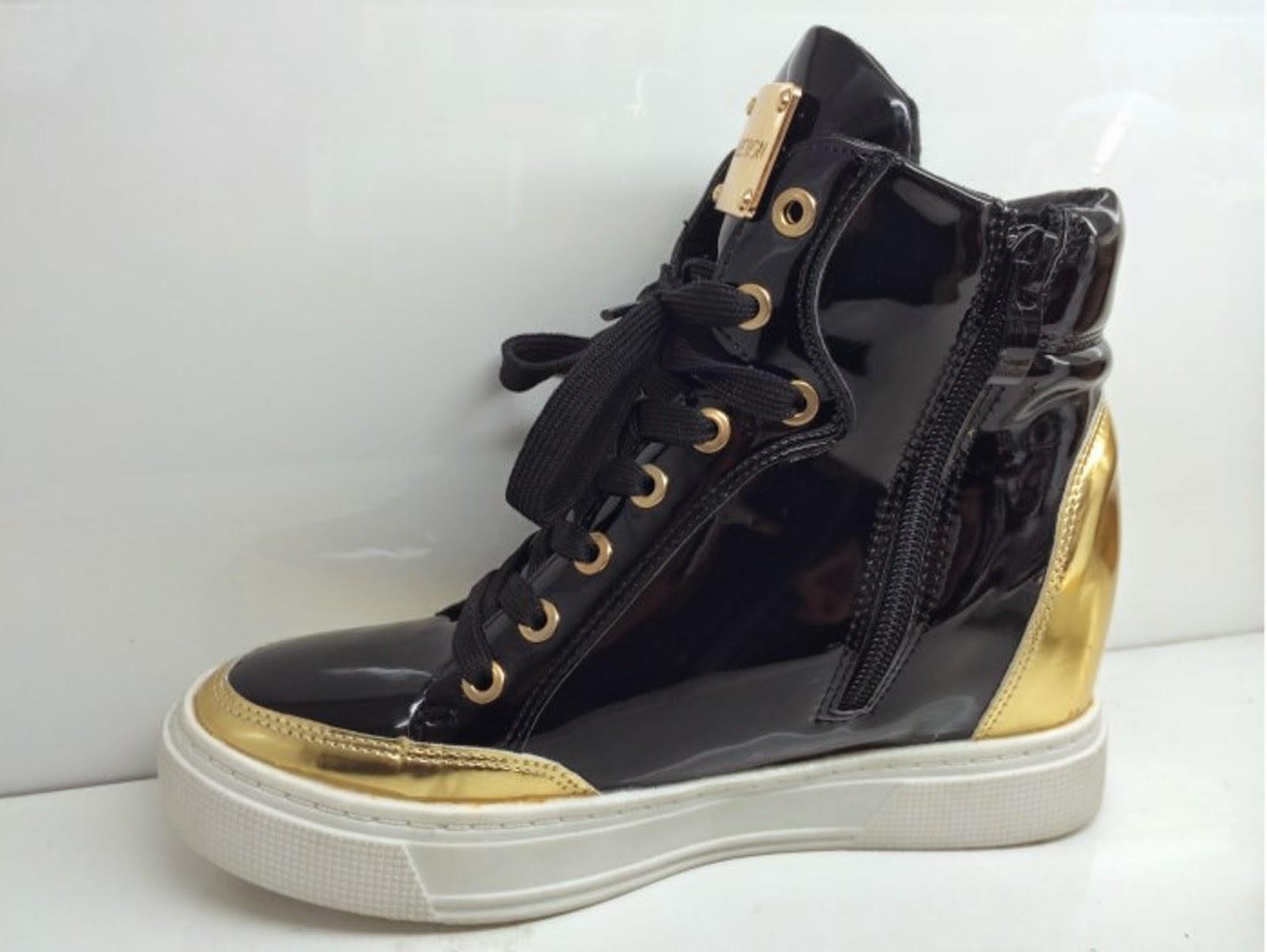 http://www.ebay.fr/itm/NOUVEAU-baskets-sneakers-montantes-noir-et-or-matelasse-vernis-decontracte-chic-/301467564515?ssPageName=STRK:MESE:IT