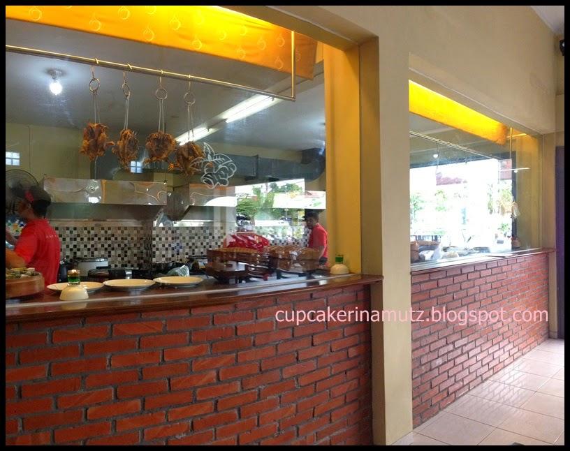 Kuliner jogja ayam gantung rina chabbymutz for Z kitchen jogja menu