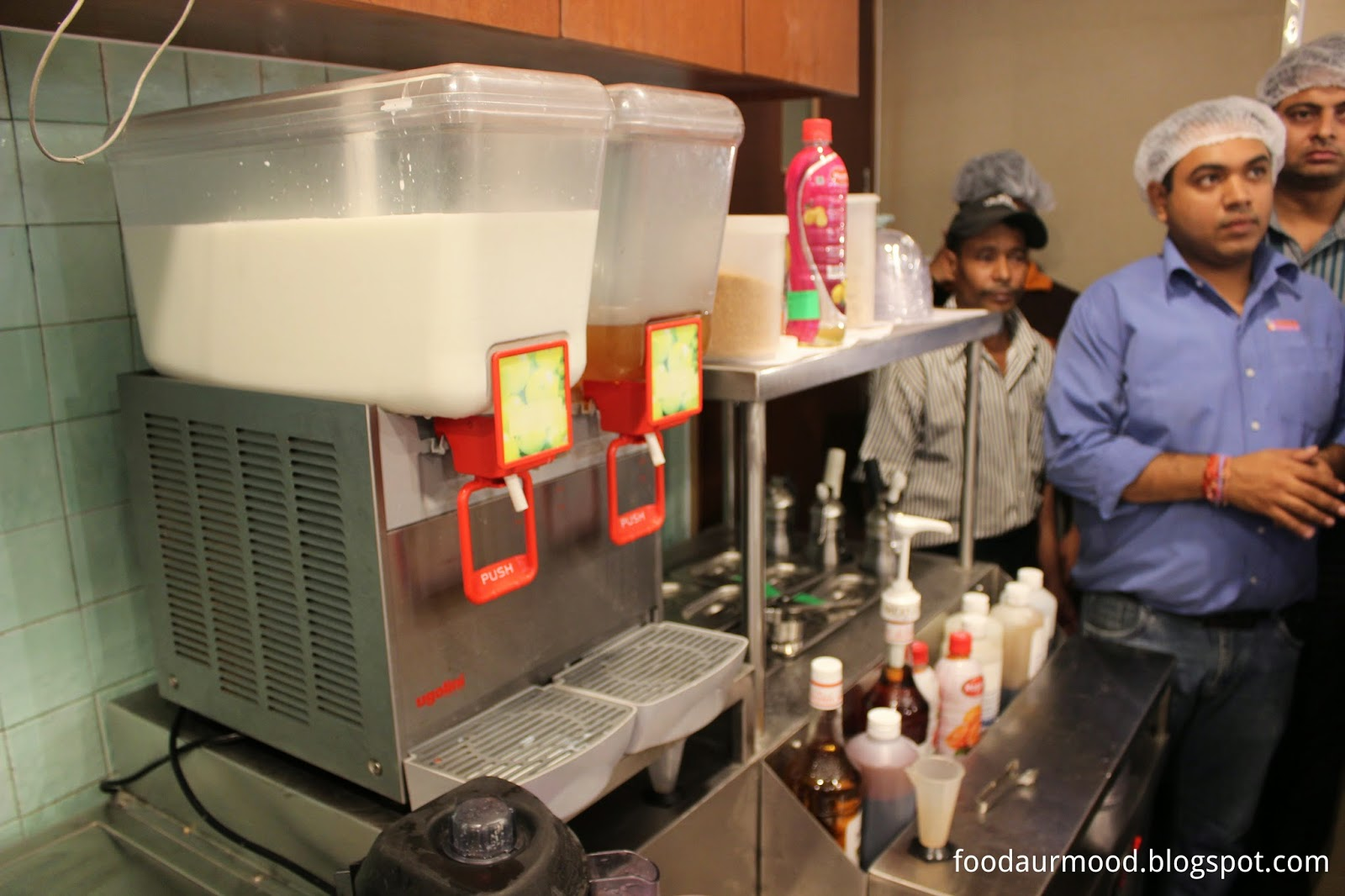 Dunkin Donuts India, CP Store, Interiors, kitchen