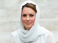 Foto Topless Kate Middleton Telanjang Dada Beredar di Internet