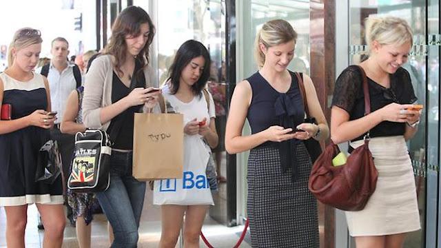 Россияне в поездках не отрываются от своих смартфонов мобильные приложения для путешественников | mobile applications