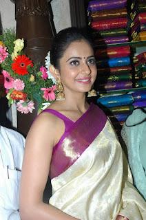 Rakul Preet Singh Hot Saree Pic