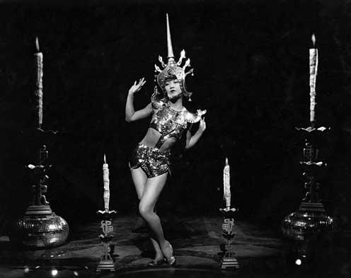 Anna May Wong at the nightclub Picadilly 1929 movieloversreviews.blogspot.com