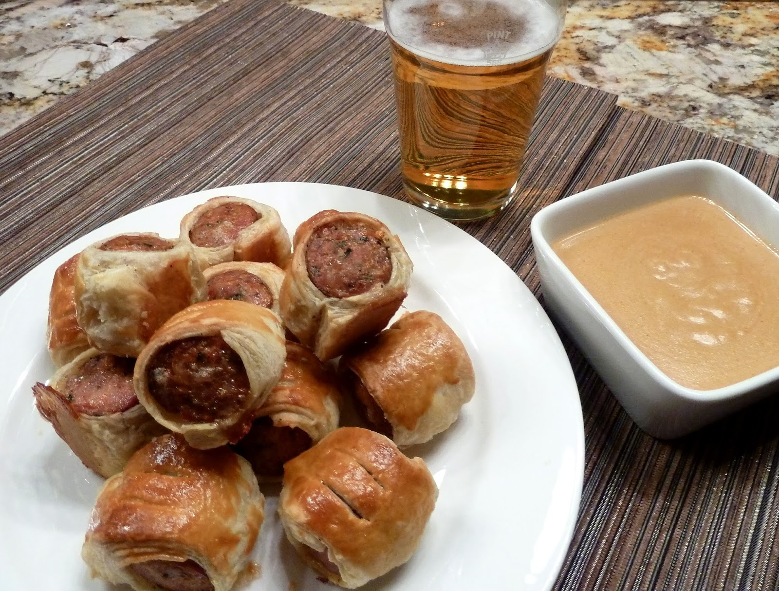 how to make a dipping sauce for sausage rolls