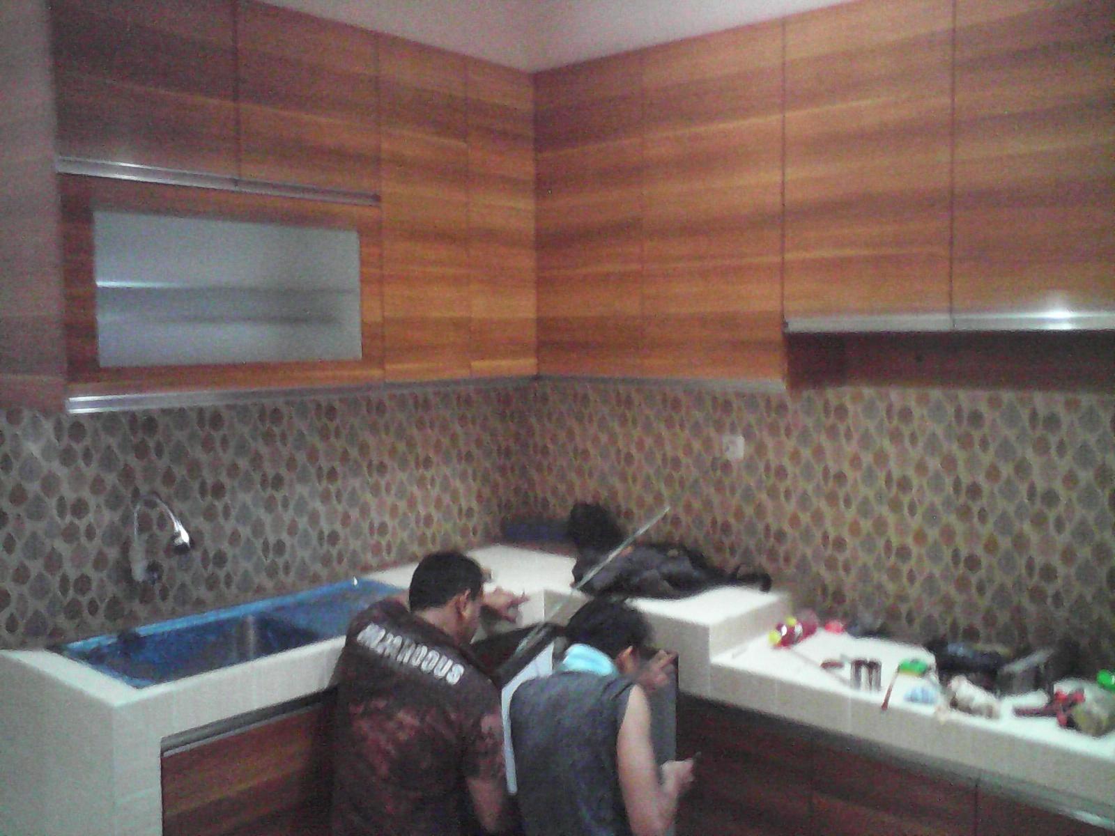 Kitchen set minimalis dari cimahi jasa cat kusen dan for Kitchen set yang bisa dipindah
