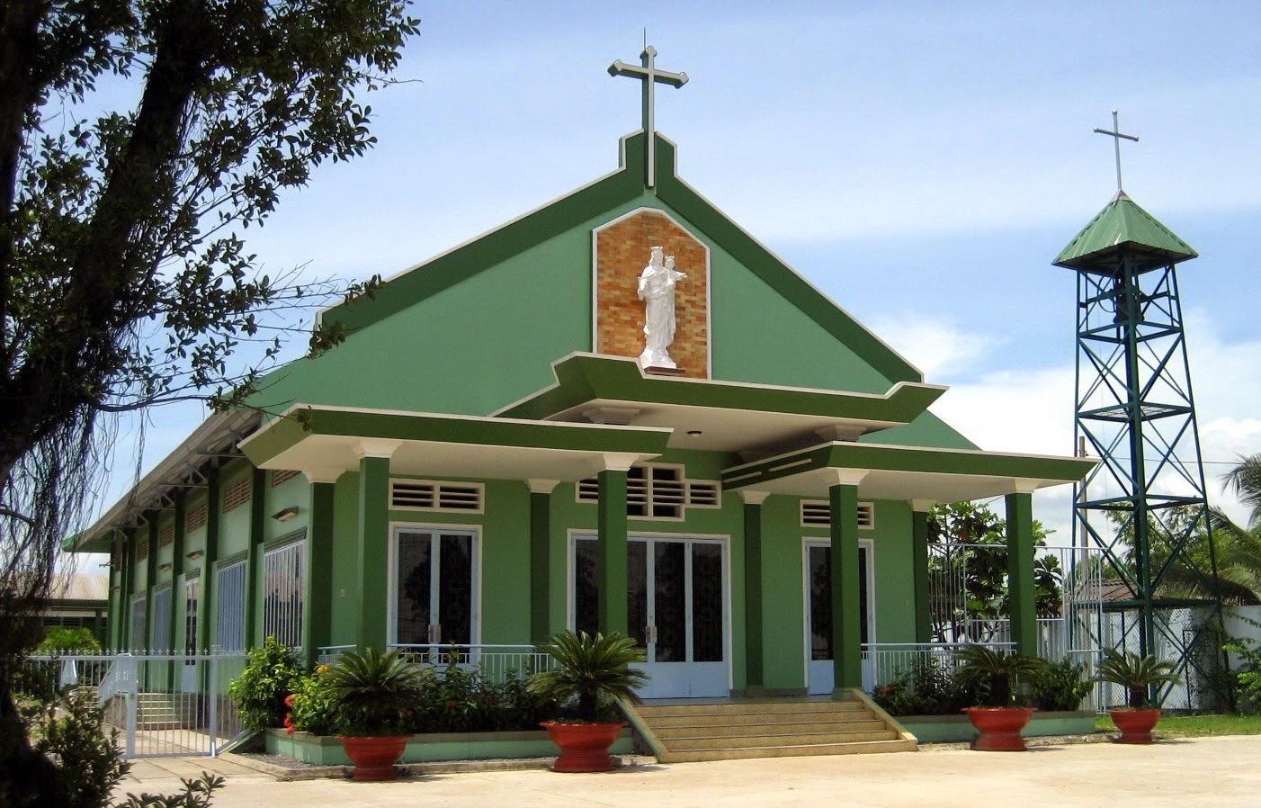 Giáo xứ truyền giáo Cầu Lớn, 1E Đặng Công Bỉnh, Xuân Thới Sơn, Hóc Môn, Tp.HCM
