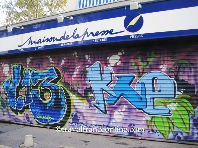 political graffiti paris in the Global graffiti: 8 powerful street artists these painters have left their mark on walls across the globe, spreading political, social and sometimes inscrutable messages to the masses.