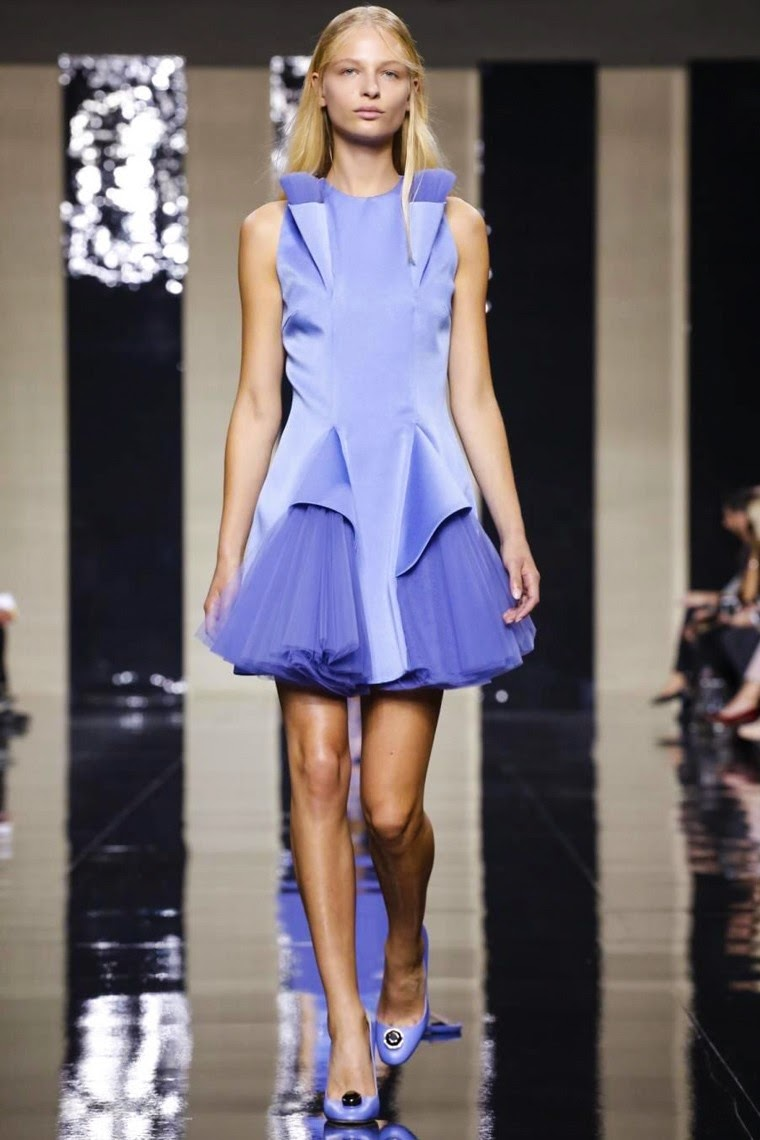 Christopher Kane spring summer 2015, Christopher Kane ss15, Christopher Kane, Christopher Kane ss15 lfw, Christopher Kane lfw, lfw, lfwss15, lfw2014, fashion week, london fashion week, du dessin aux podiums, dudessinauxpodiums, vintage look, dress to impress, dress for less, boho, unique vintage, alloy clothing, venus clothing, la moda, spring trends, tendance, tendance de mode, blog de mode, fashion blog,  blog mode, mode paris, paris mode, fashion news, designer, fashion designer, moda in pelle, ross dress for less, fashion magazines, fashion blogs, mode a toi, revista de moda, vintage, vintage definition, vintage retro, top fashion, suits online, blog de moda, blog moda, ropa, asos dresses, blogs de moda, dresses, tunique femme,  vetements femmes, fashion tops, womens fashions, vetement tendance, fashion dresses, ladies clothes, robes de soiree, robe bustier, robe sexy, sexy dress