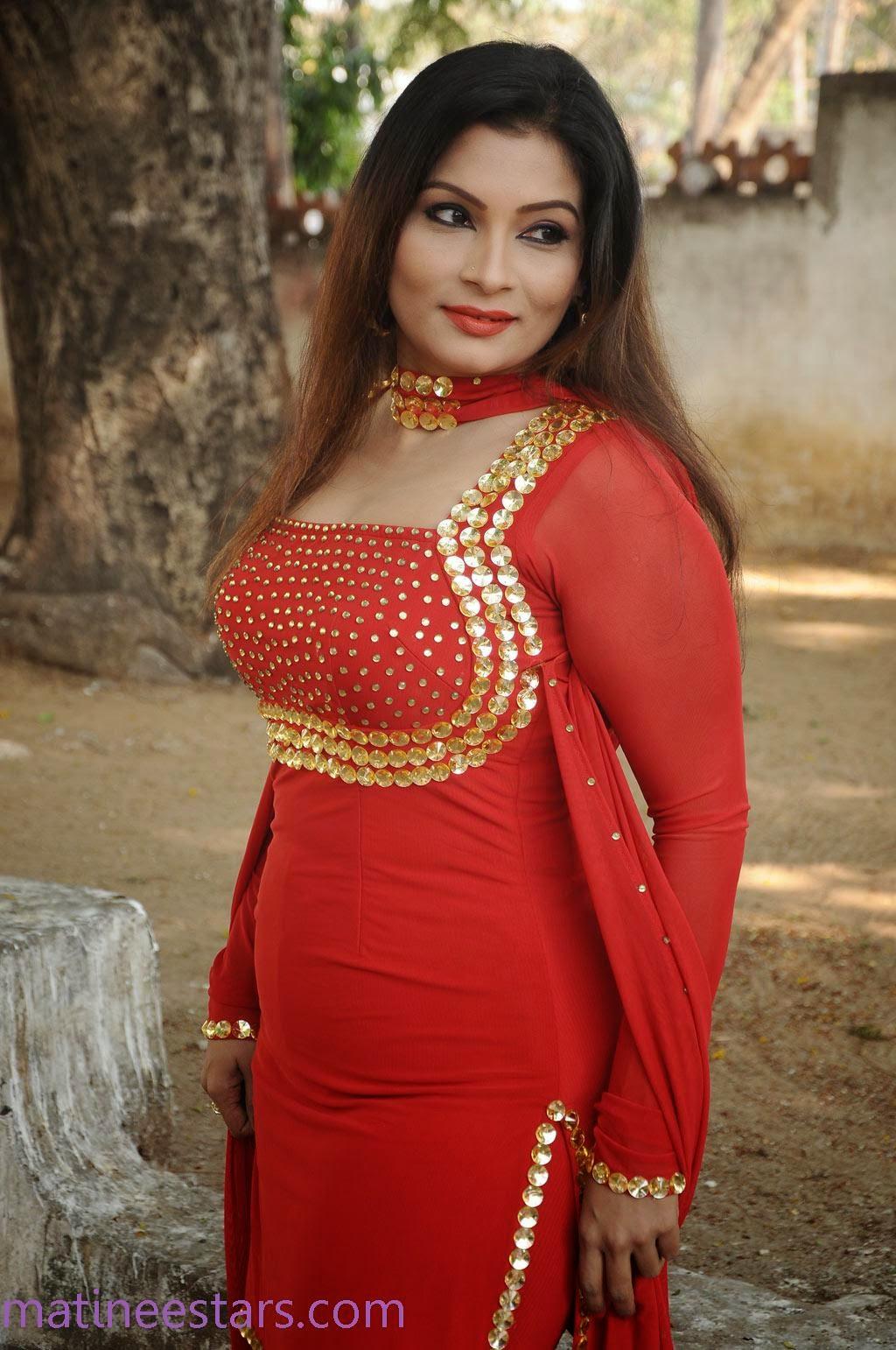 Mallu Aunty Kumtaj