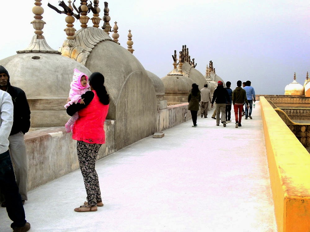 girl at Nahargarh Fort Jaipur 16
