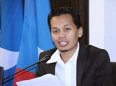 16 exco AMK boikot Nik Nazmi Kire bersatulah tu