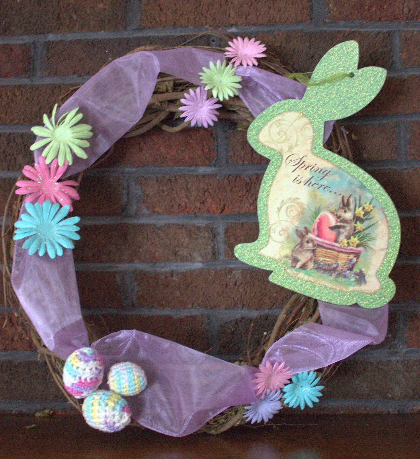 Decorating with Crochet Easter Eggs #crochet #easter #crafts #spring