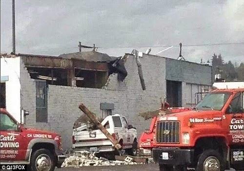 Longview_Washington_Tornado_Damage