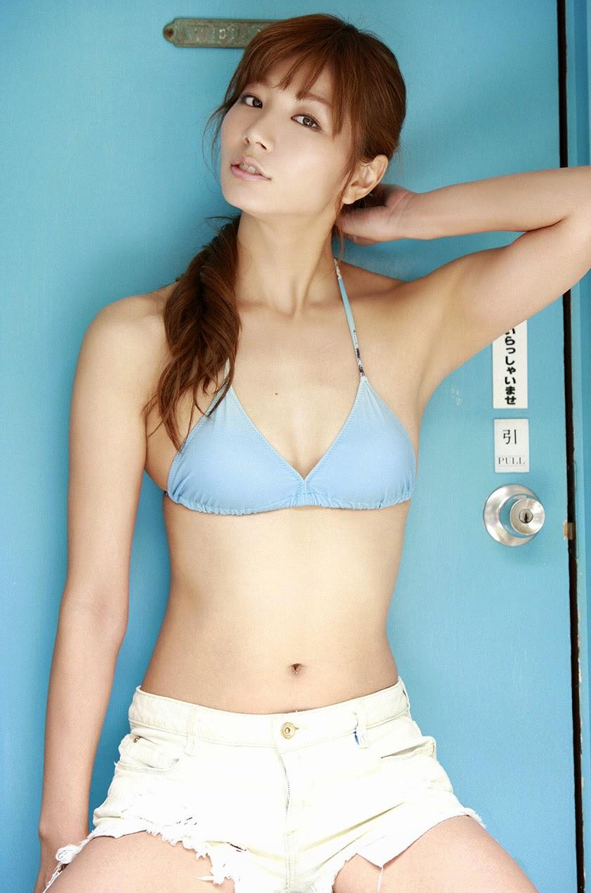 ai aoki sexy bikini pics 02