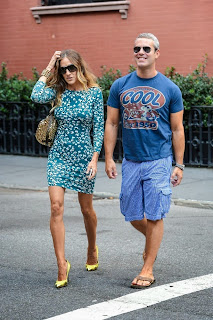 Andy Coehn in sandals with Sarah Jessica Parker - Pés Masculinos