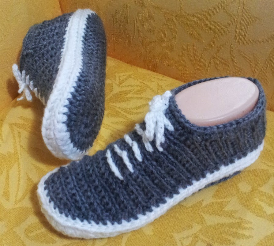 Free Crochet Pattern For Vans Slippers : Shushs Handmade Stuff: Crochet Sneakers - PDF Pattern