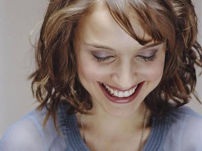 Natalie Portman HD Wallpaper Smile