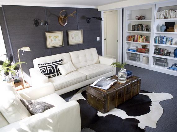 le petit espace plus grand comme les couleurs claires sur les murs meubles miroirs plafond blanc des grandes fentres transparentes rideaux