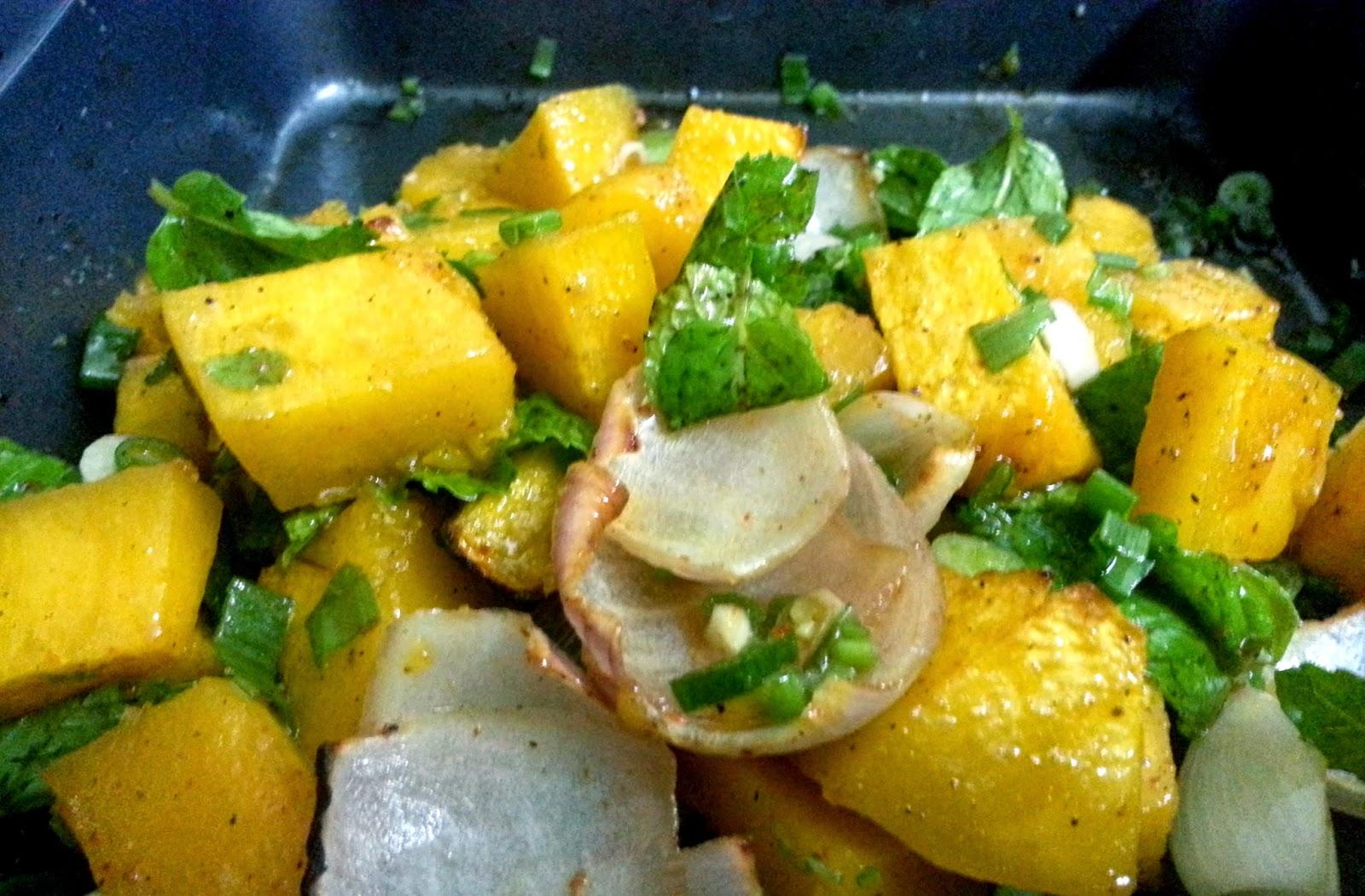 fascinatingfoodworld: Roasted Pumpkin Salad!