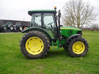 5620.5 745216 Tractor John Deere 5620 71Cp 2007 750h