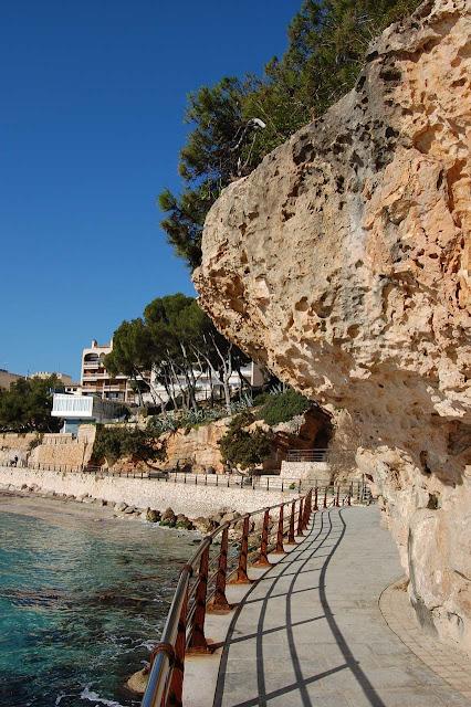 Green_Pear_Diaries_Palma_Mallorca_playa_colonia-sant-jordi_Alexandra-Proaño