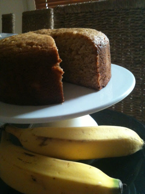 this bread is literally bananas >> STARTS WITH CUPCAKES
