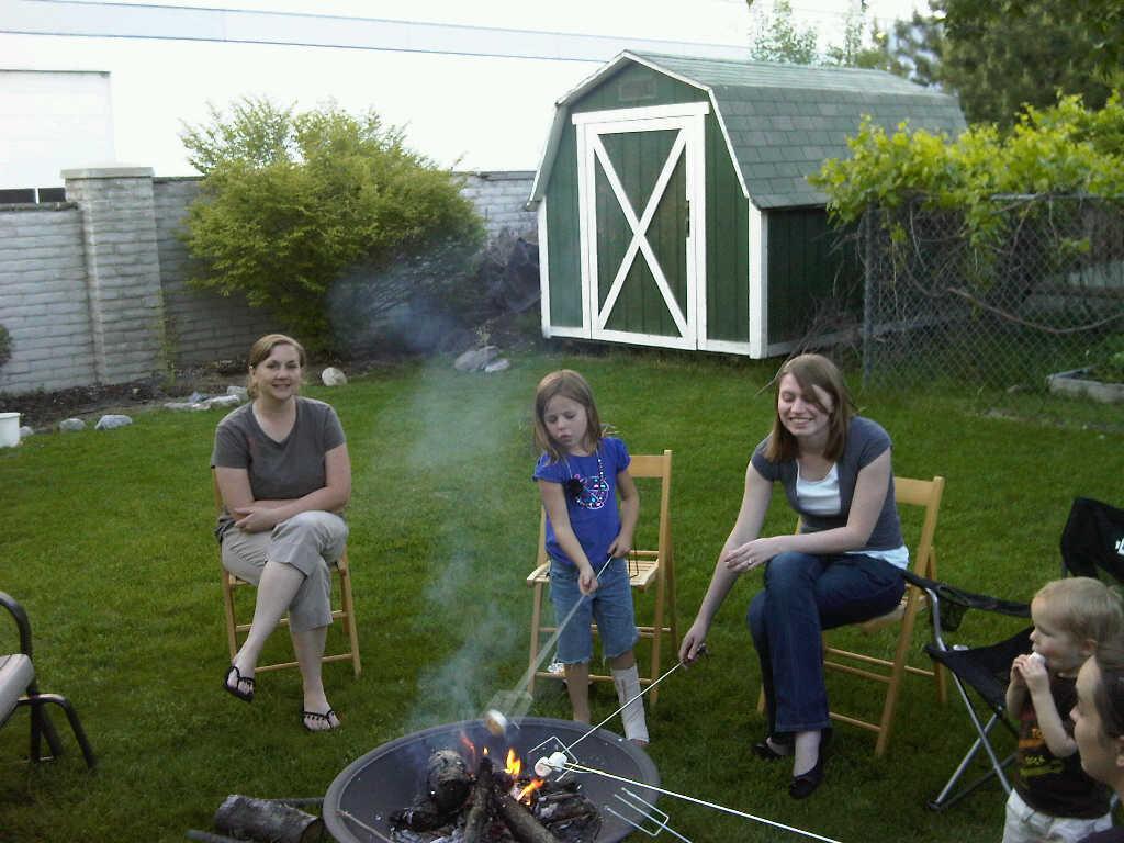 Shreeve Family: Roasting Marshmallows
