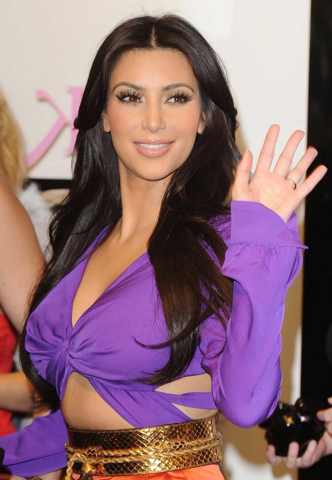 http://1.bp.blogspot.com/-rW_2h009R1Q/TuOAe6T74WI/AAAAAAAABBc/ddJVisZzzVY/s1600/kim_kardashian_purple_9.jpg