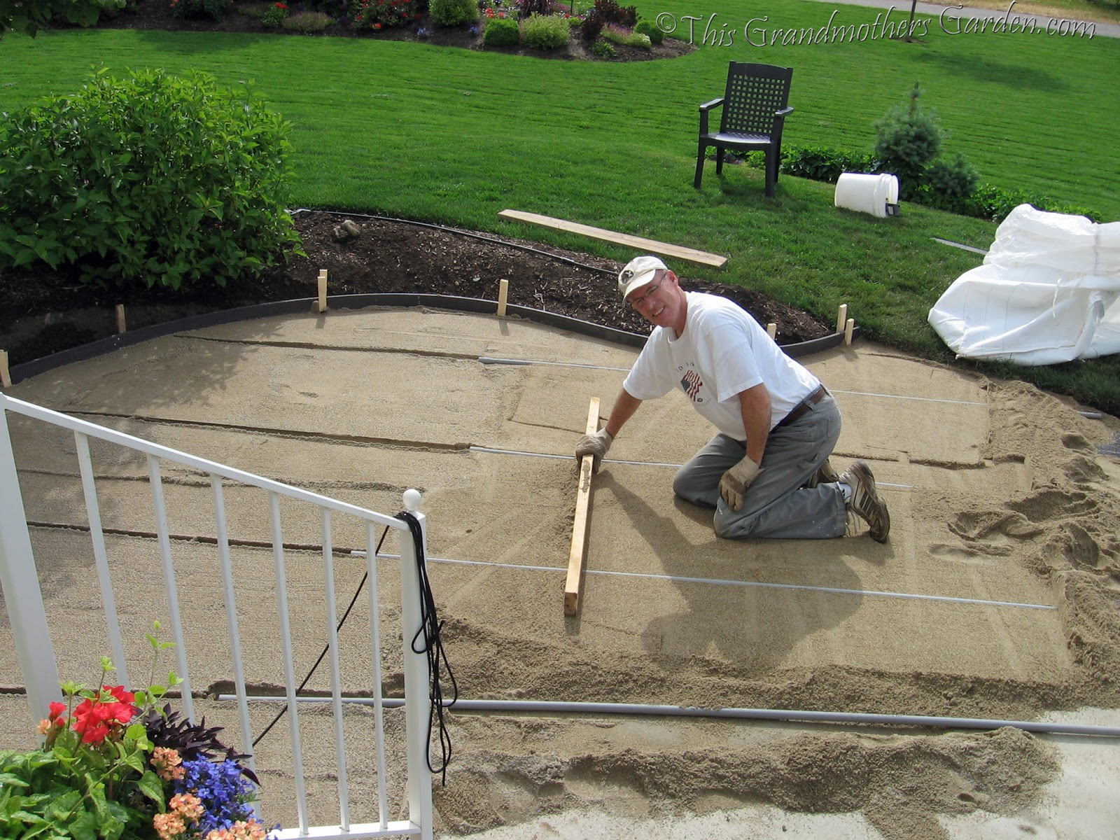 This Grandmotheru0027s Garden: DIY Flagstone Patio... Preparing The Foundation