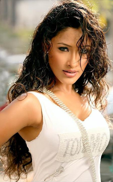 Kesha Khambhati hot and spicy pics