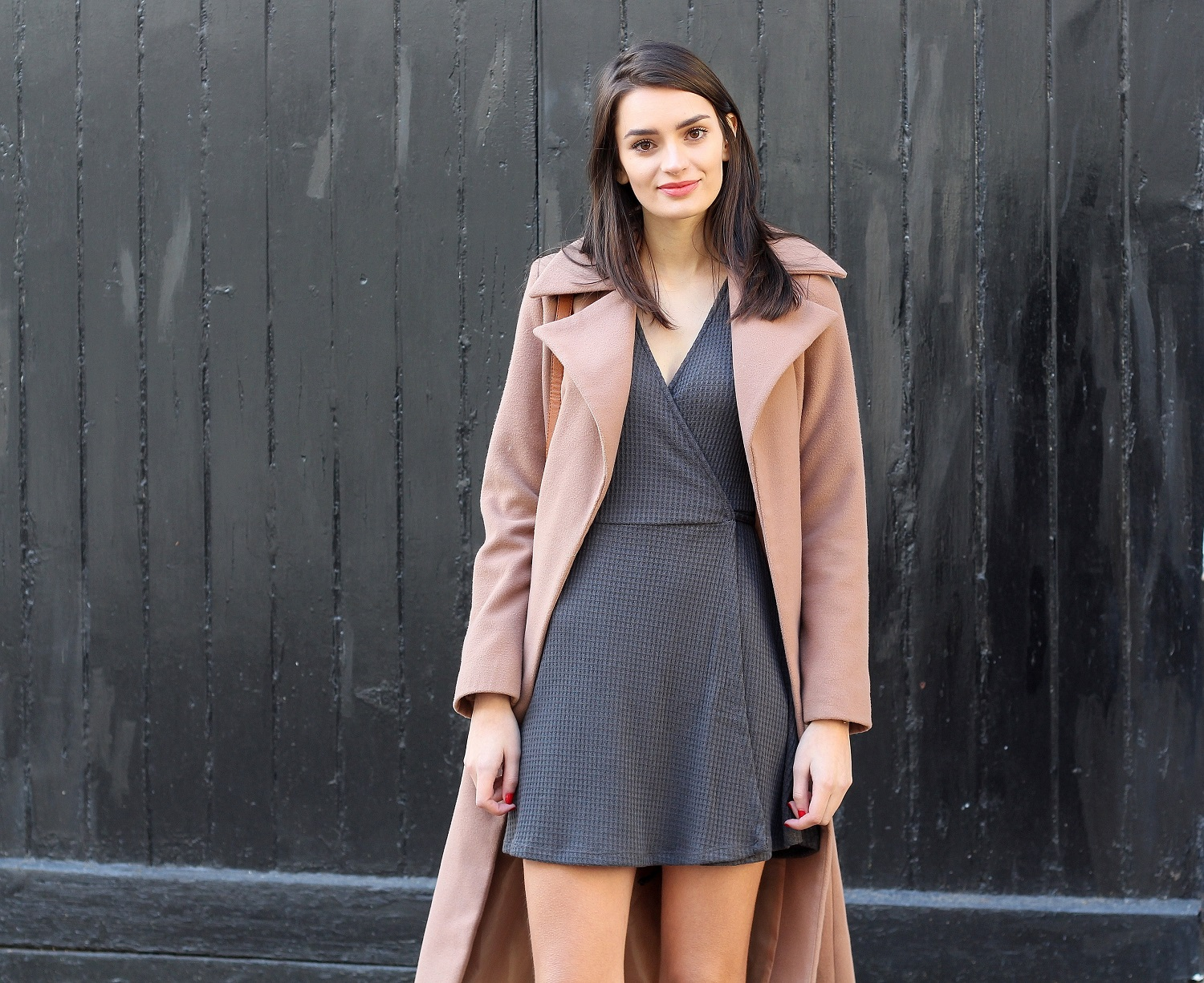 peexo fashion blogger wearing camel coat and wrap dress