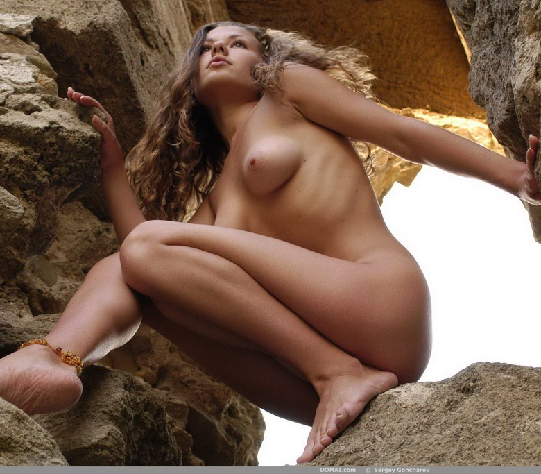 Simple nude woman