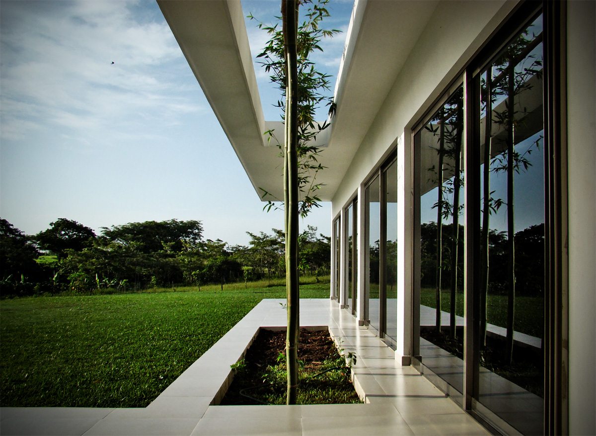 Arquitectura arquidea casa ponce por couti o ponce for Casa quinta minimalista