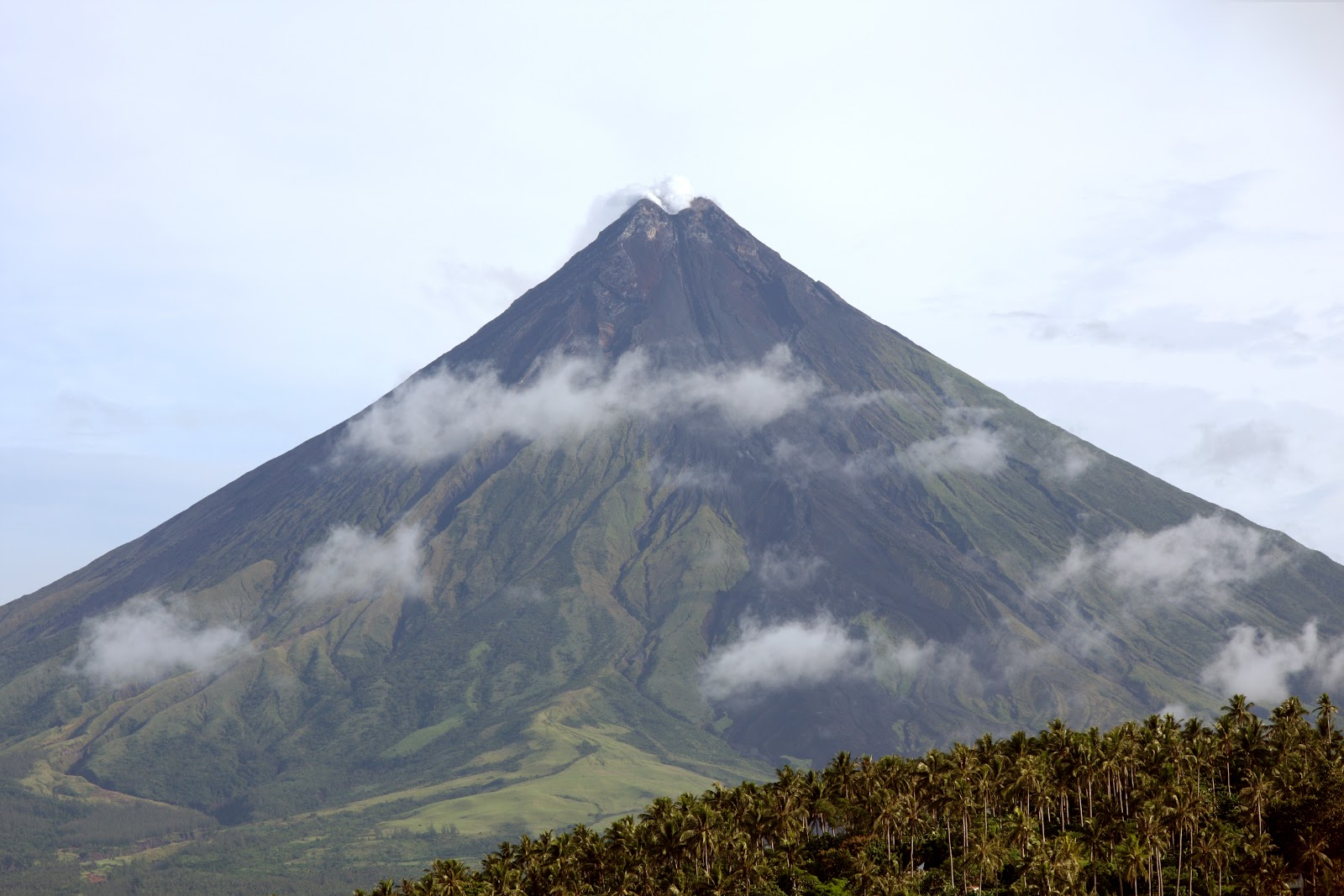 the legend of mayon volcano Here are 5 of the most fascinating facts you should know about mayon volcano mayon volcano is philippines' most active volcano mayon has legend has it that.